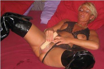 Barbi mami még szereti a faszt
