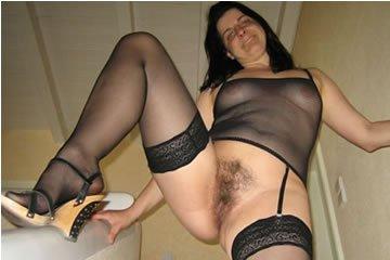 Marianne - szőrös muffba fekete műfasz