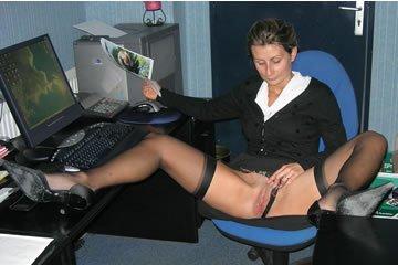 Teresa - bugyi nélkül az irodában