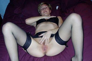 Lucie - szeretek harisnyában szexelni