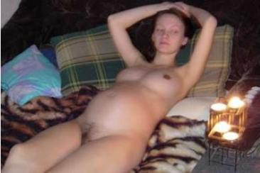 Meztelen és terhes fotózás egy anyukával