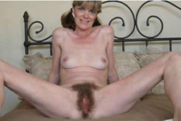 Érett és szőrös pina - feleség szexképek