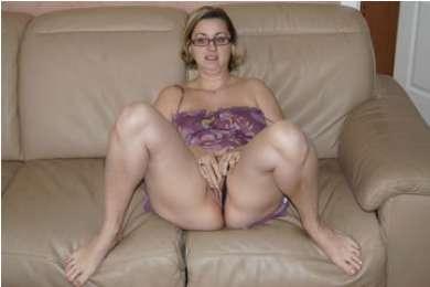 Miriam - szexi háziasszony házipornózik