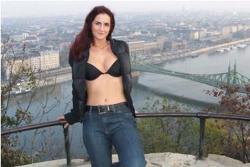 Kati - nyilvános magyar puncimutogatás