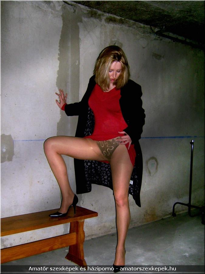 Érett nylon pornóban